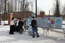 Student demonstrators set up near the fountain.