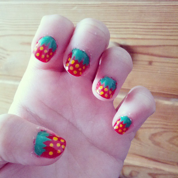 Easy strawberry nails