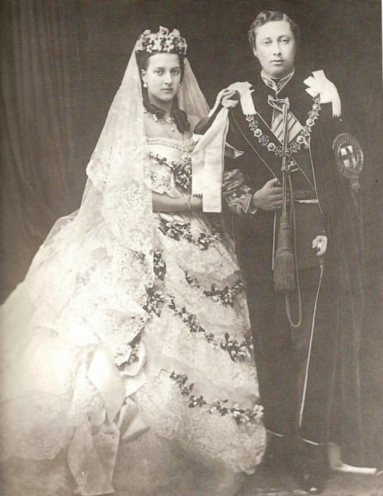 queen-victoria-couple-790x1024-550x712